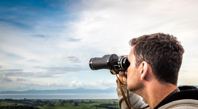 Wycieczkować przez parka narodowego lasu fotografia stock