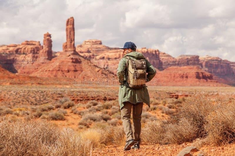Wycieczkowicz w dolinie bogowie, usa fotografia royalty free