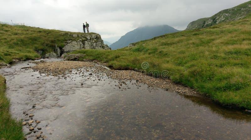 Wycieczkowicze w Fagaras górach zdjęcie royalty free