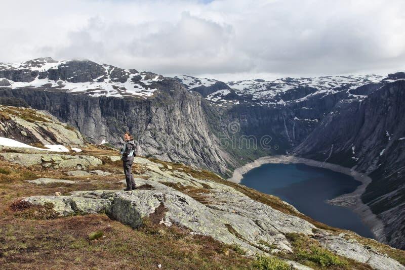 Wycieczkujący w Hordaland, Norwegia fotografia stock