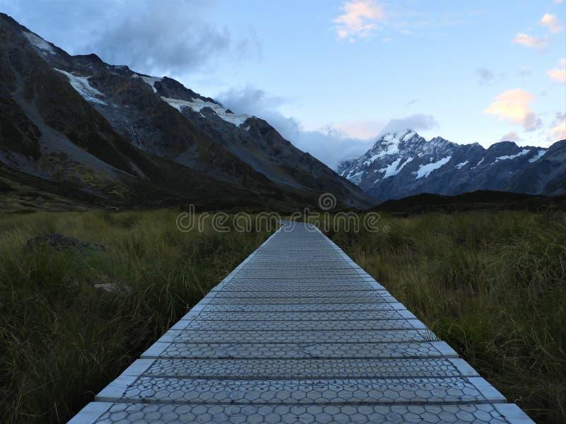 Wycieczkujący dziwki doliny ślad w górze Gotuje parka narodowego obraz royalty free