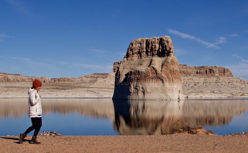 Wycieczkujący na Jeziornym Powell, Utah, usa zdjęcia stock