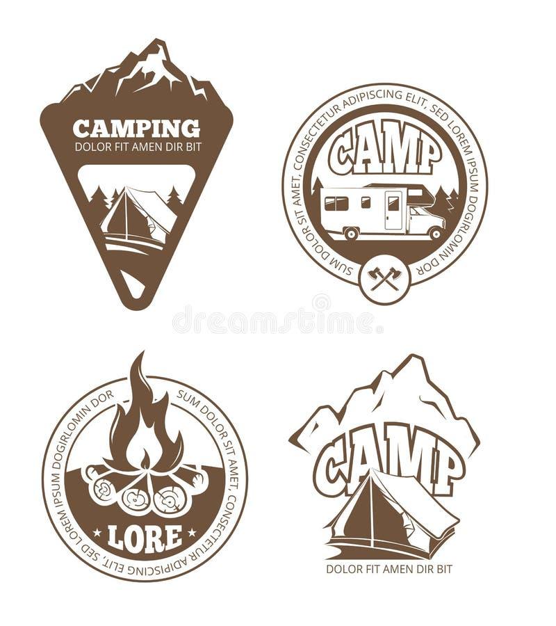 Wycieczkuje i obozuje retro wektorowe etykietki, emblematy, logowie, odznaki ilustracji