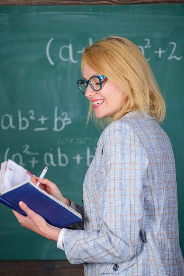 Wydajnego nauczania pogmatwanego nabywania istotna wiedza o uczniach Ilości które robią dobrego nauczyciela Zasady mogą obrazy stock