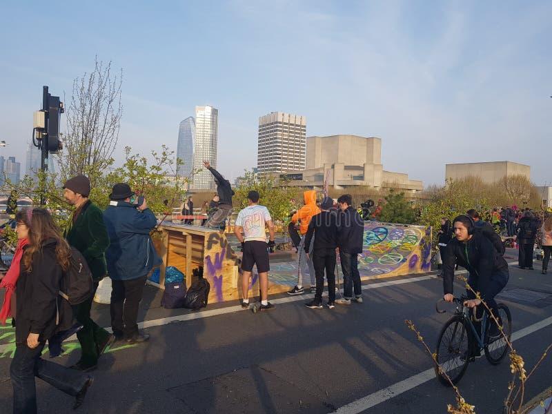 Wygaśnięcie bunt: Klimatów protestujący w Środkowym Londyn obrazy stock