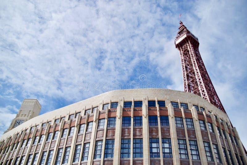 Wyginający się budynek i Blackpool wierza zdjęcia royalty free