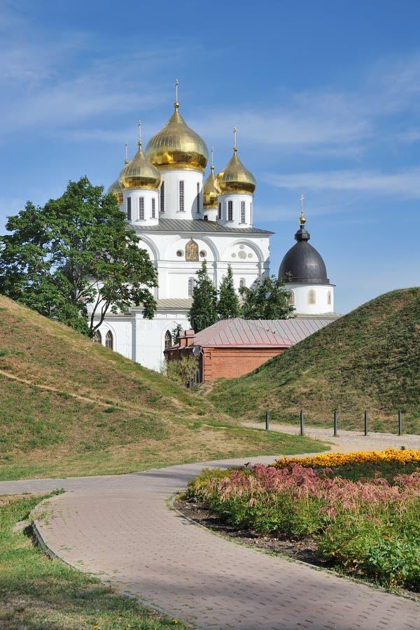 Wyginający się sposób Antyczny Kremlin Dmitrov obraz royalty free