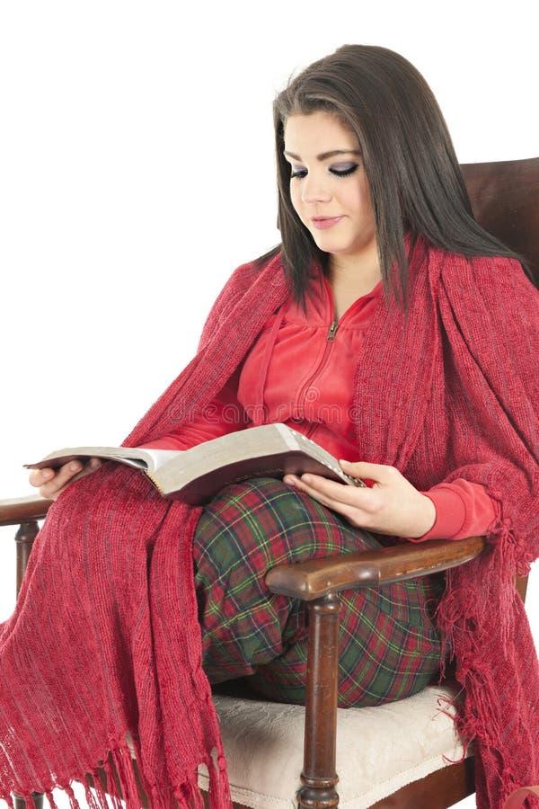 Wygodna biblia Czytająca fotografia royalty free
