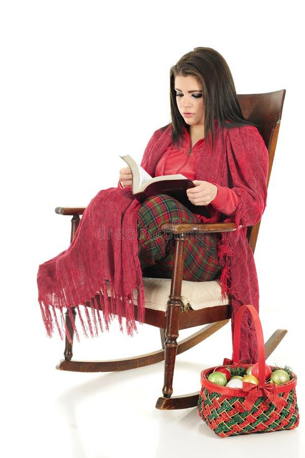 Wygodna Bożenarodzeniowa biblia Czytająca obrazy royalty free