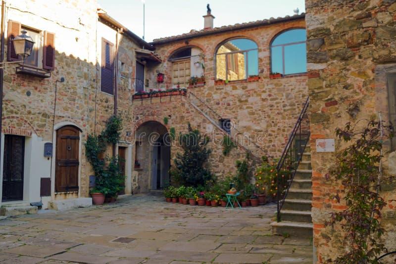 Wygodne ulicy Tuscany W?ochy obraz stock