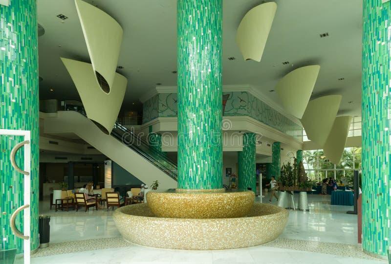 Wygodny lobby przy hotelowym kurortem Intime Sanya 5 w Dadonghai zatoce fotografia stock
