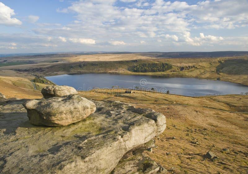 Wygryzeni głazy na Yorkshire moorland fotografia royalty free