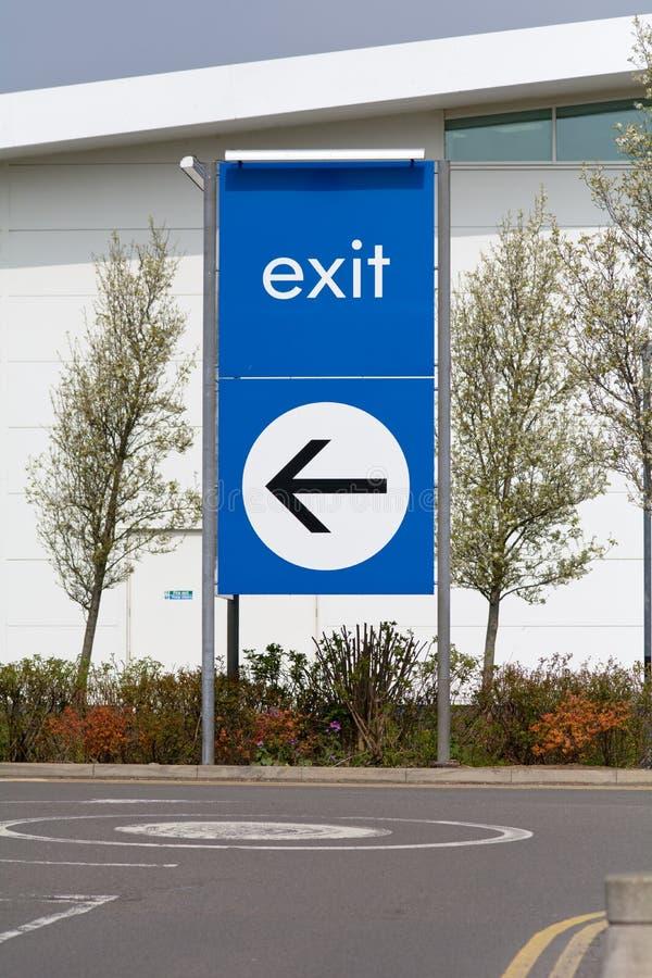 Wyjście znak z kierunek strzała zdjęcie stock