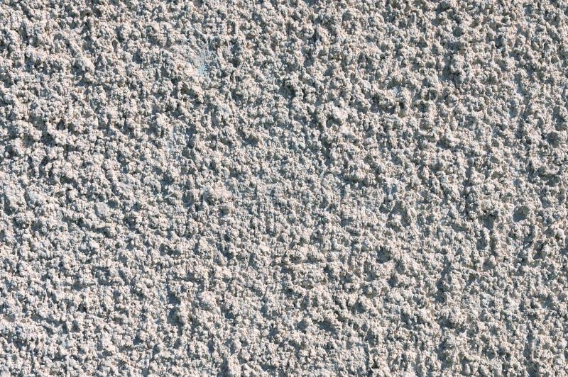 Wykończenie elewacji budynku cementem szara, grubowarstwowym teksturowanym kit cementowy zdjęcie royalty free
