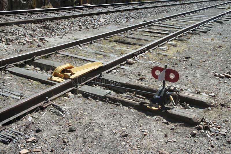 Wykoleja wyposażenie na peruvian linii kolejowej linii zdjęcie royalty free
