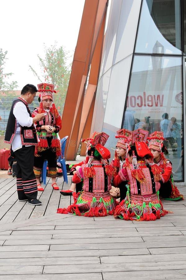 Wykonawcy w kostiumach, IFICH 2013, Chiny obraz royalty free