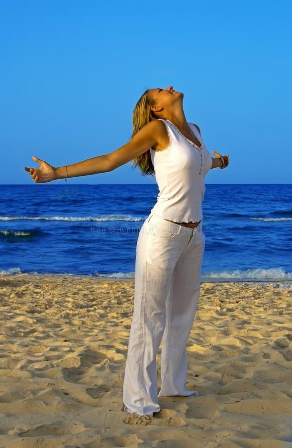 wykonywanie plażowy relaks obraz stock