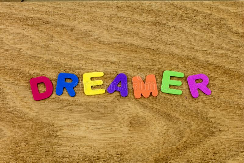 Wymarzona marzycielka marzy żywą piany zabawkę bada sen obraz royalty free