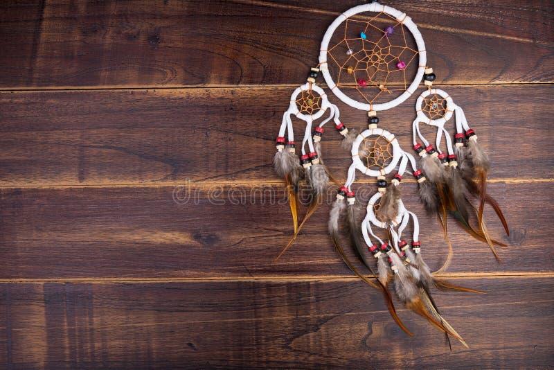Wymarzony łapacz z piórko niciami i koralika linowym wiszącym spiri zdjęcie royalty free