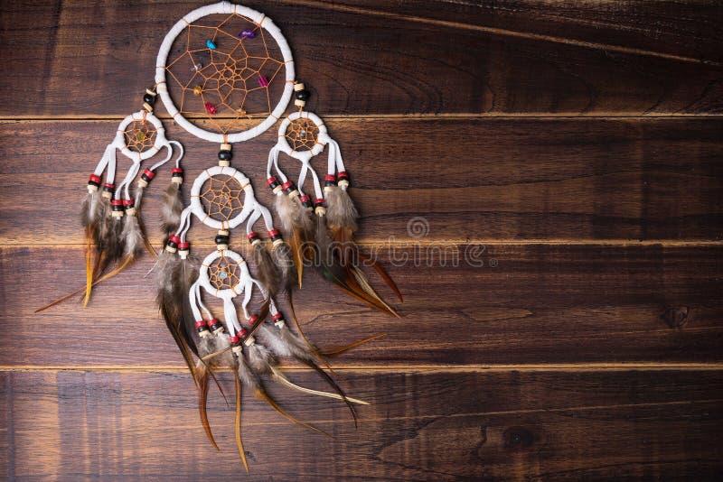 Wymarzony łapacz z piórko niciami i koralika linowym wiszącym spiri obraz royalty free