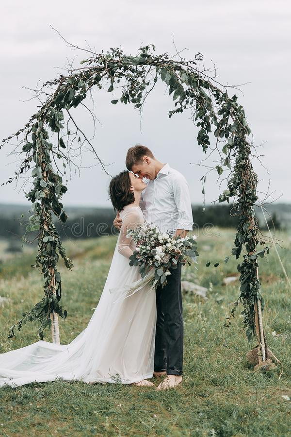 Wymarzony ślub w górach zdjęcia royalty free