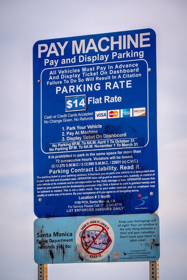 Wynagrodzenie maszyna przy Snata Monica plaży parking MARZEC 29, 2019 - LOS ANGELES, usa - obraz royalty free