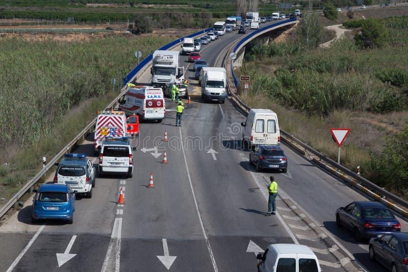 wypadkowa kraksa samochodowa uszkadzający ruch drogowy obrazy royalty free
