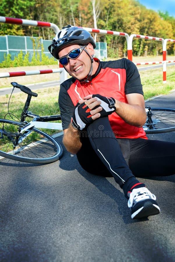 wypadkowego tła bicyklu przeciwawaryjne łgarskie drogowe usługa obrazy royalty free