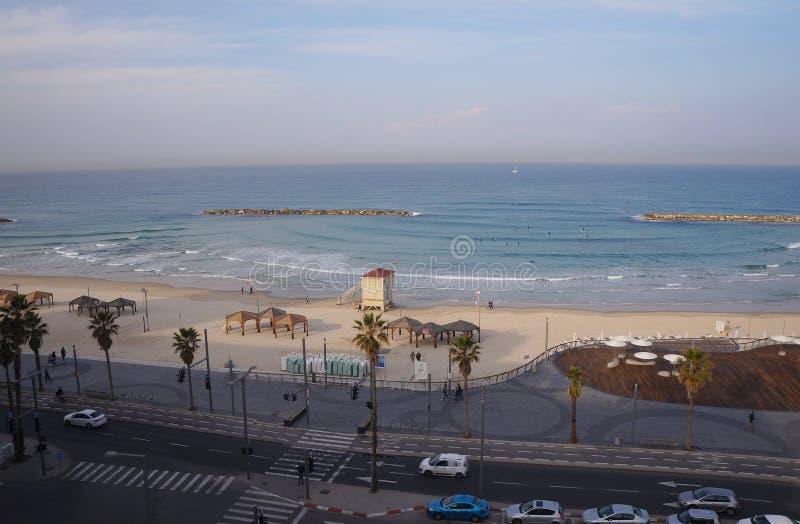 Wyrzucać na brzeg blisko dennego i turystycznego deptaka w Tel Aviv zdjęcie stock