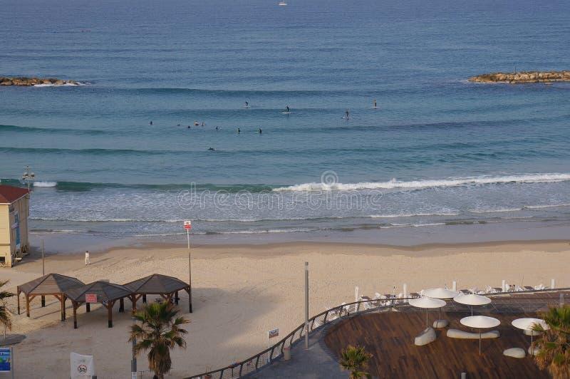 Wyrzucać na brzeg blisko dennego i turystycznego deptaka w Tel Aviv zdjęcie royalty free