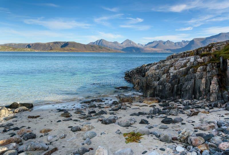 Wyrzucać na brzeg przy Sommaroy wyspą, Tromso, Norwegia, Scandinavia obraz royalty free