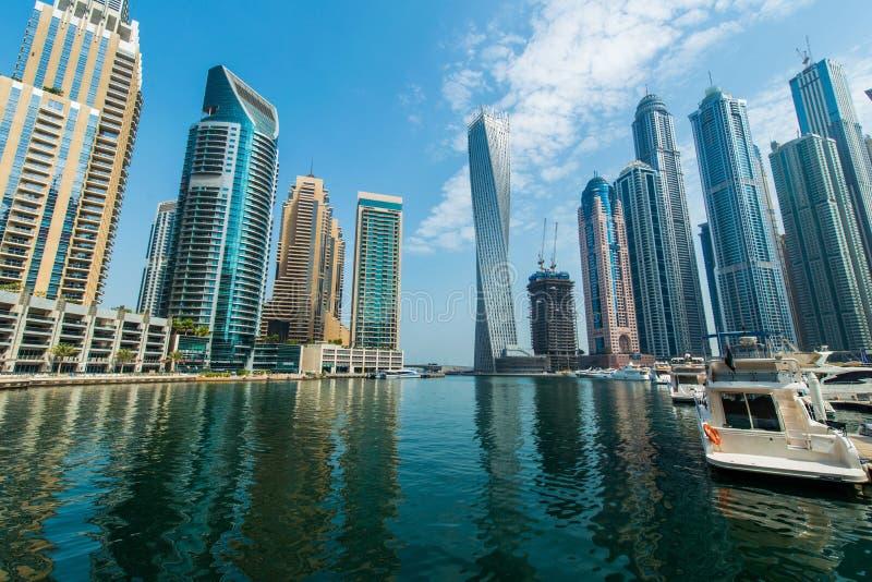 Wysocy Dubaj Marina drapacze chmur zdjęcie stock