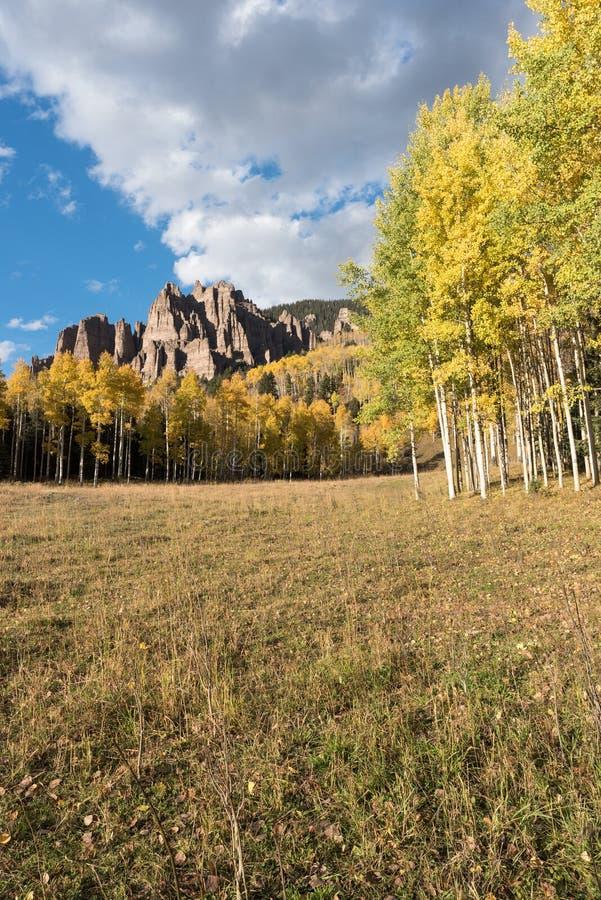 Wysocy mesa pinakle w Cimarron dolinie Kolorado zdjęcie royalty free