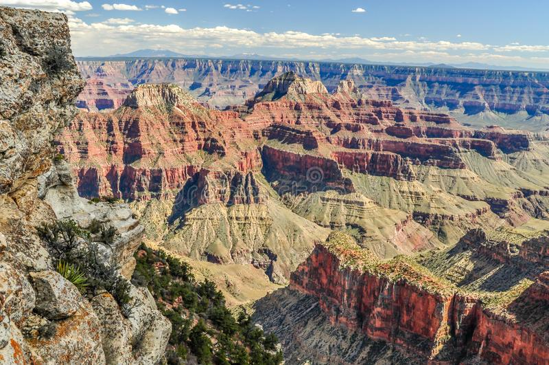 Wysocy Mury piaskowiec Chronią głębie Uroczysty jar w Arizona obrazy royalty free