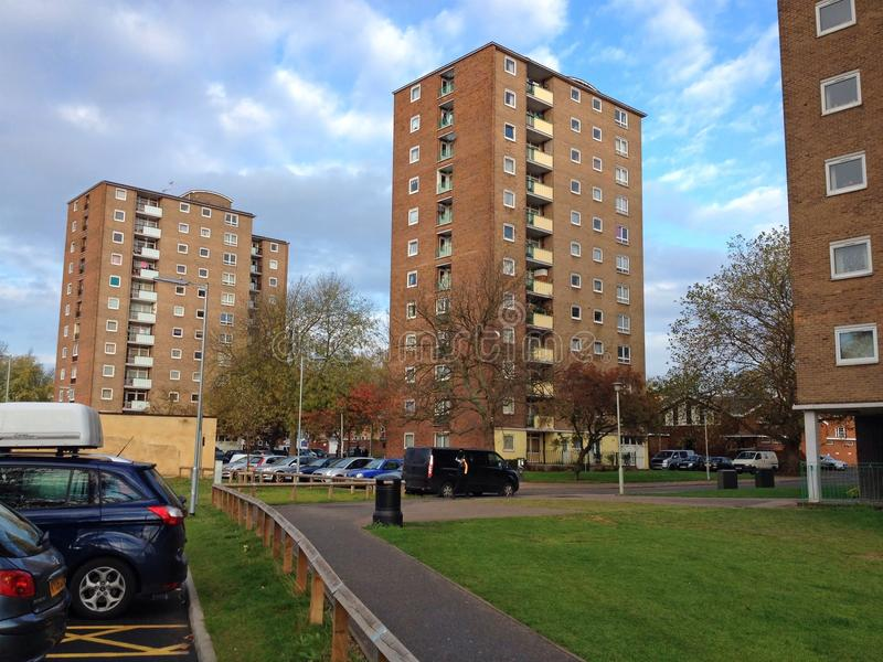 Wysocy wzrostów mieszkania, mieszkania lub Ogólnospołeczny budynek mieszkalny zdjęcia stock
