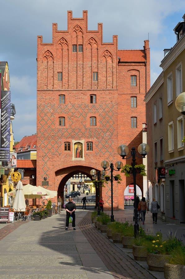 Wysoka brama w Olsztyńskim (Polska) zdjęcie stock