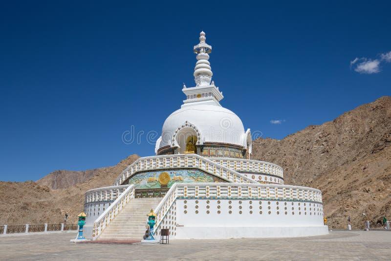 Wysoka Shanti stupa blisko Leh, Ladakh, India obraz royalty free