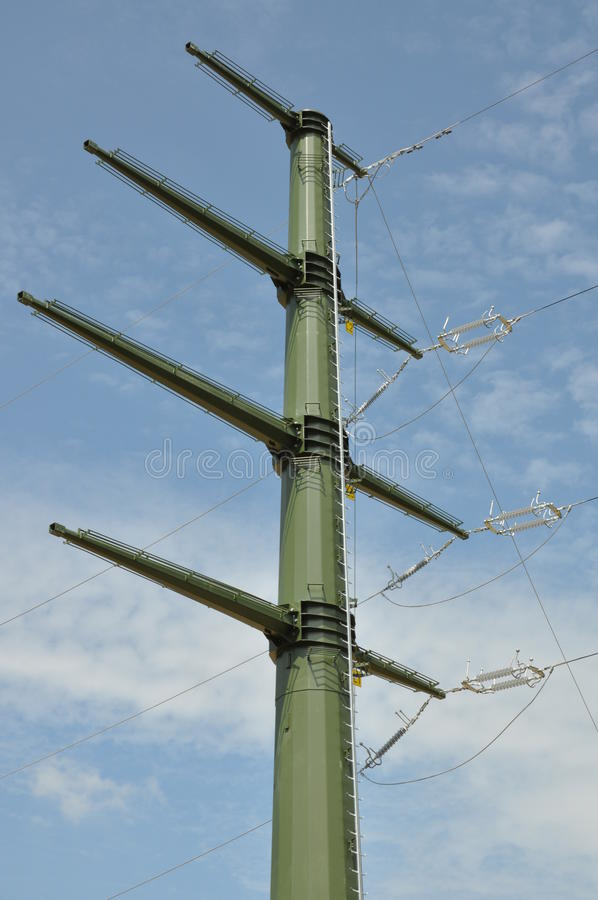 wysoka wieża napięcia elektrycznego fotografia stock