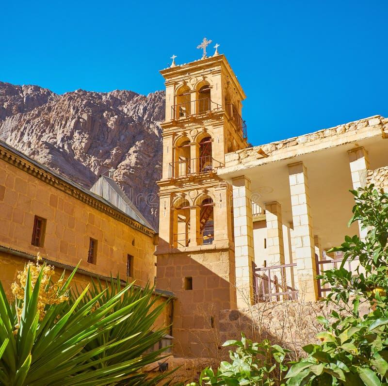 Wysoki dzwonkowy wierza St Catherine monaster, Synaj, Egipt zdjęcie royalty free