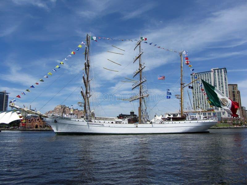 wysoki piękny statek zdjęcia stock
