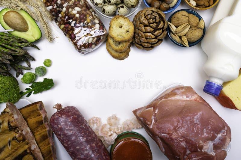 Wysoki - proteinowy jedzenie - owoce morza, mięso, drób, dokrętki, jajka, warzywa Produkty dobrzy dla zdrowego włosy Przestrzeń d obrazy royalty free