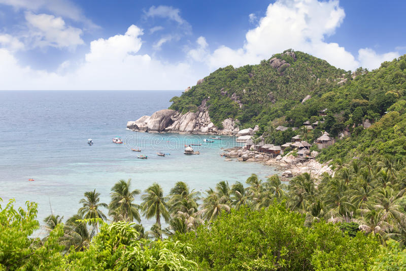 Wysoki punkt widzenia widzieć halnego i dennego brzeg przy Koh Tao, zdjęcie stock