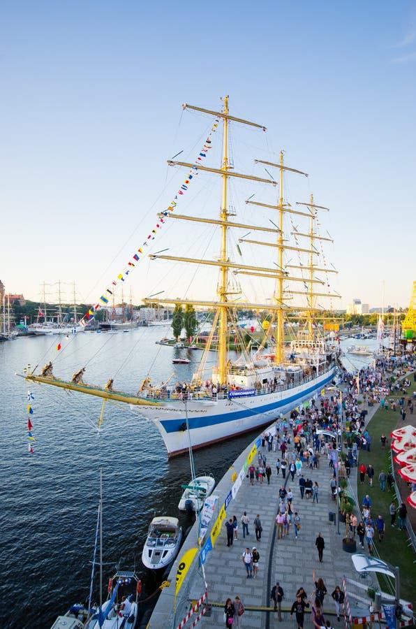 Wysoki statek Ściga się w Szczecińskim obraz royalty free