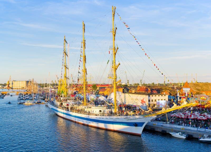 Wysoki statek Ściga się w Szczecińskim zdjęcie royalty free