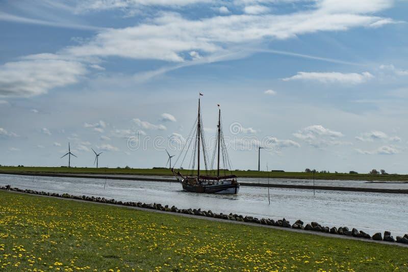 Wysoki statek Dzwoni port obraz stock