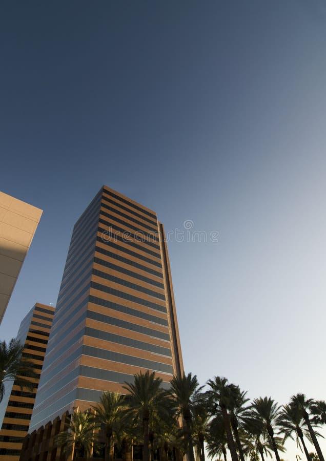 wysoki TARGET304_1_ nowożytny drapacz chmur zdjęcia stock