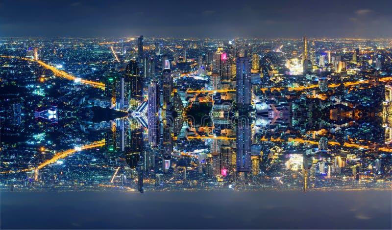 Wysoki widok miasto z zboczeniec stroną zdjęcie stock