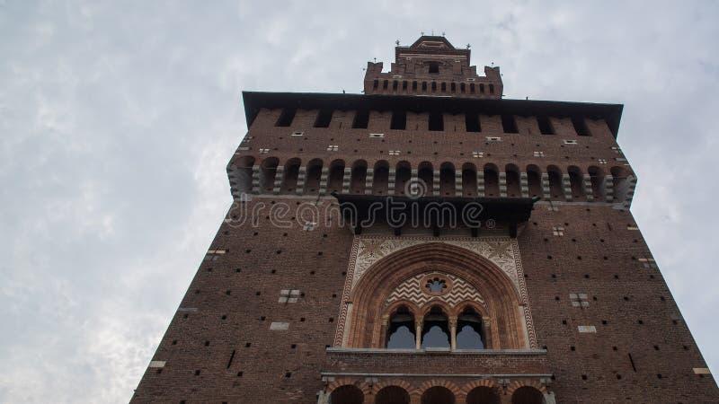 Wysoki wierza w średniowiecznym kasztelu zdjęcie stock