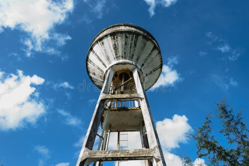 Wysoki zbiornika klepnięcie zdjęcie royalty free