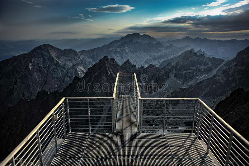 Wysokie Tatras góry od Lomnickà ½ Å ¡ tÃt zdjęcia stock